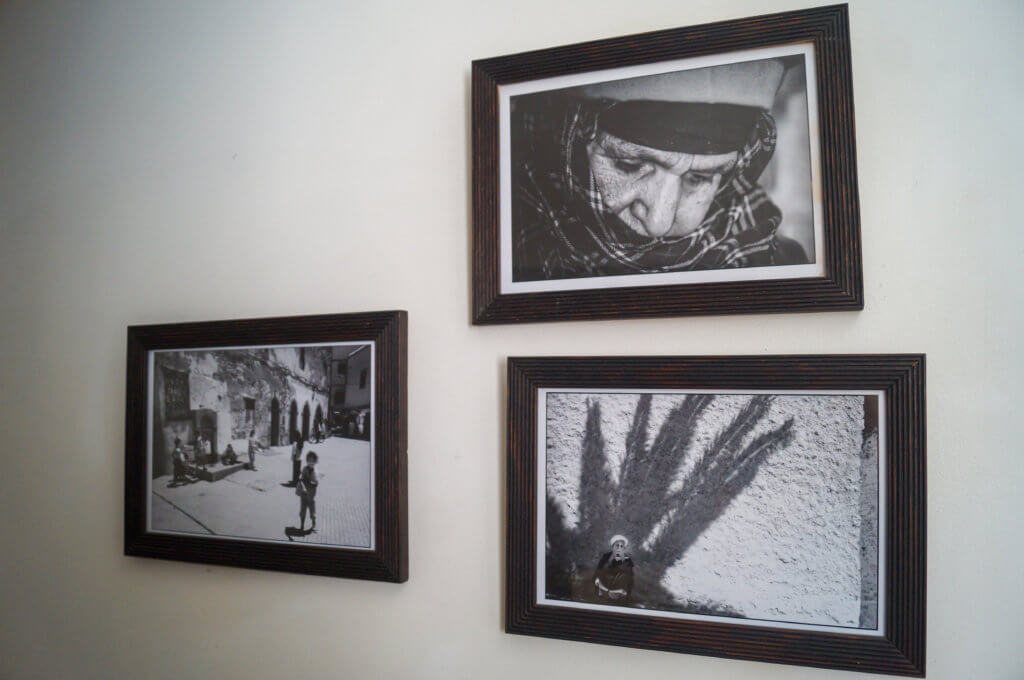Riad Les Hibiscus photography on wall