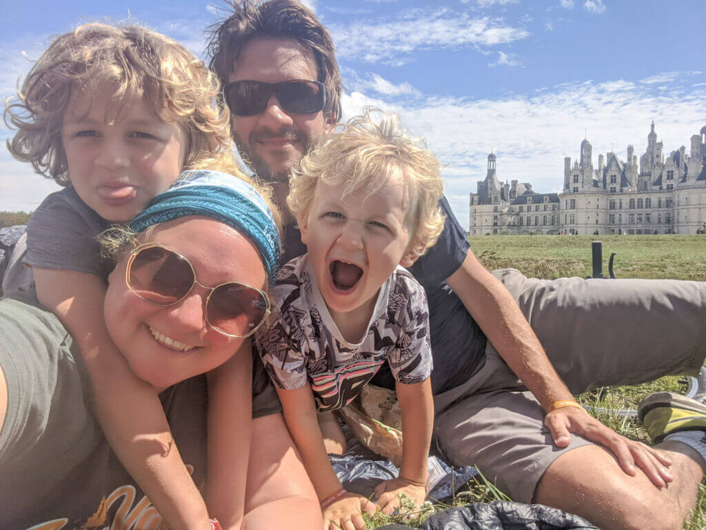 TraveLynn Family in the Loire