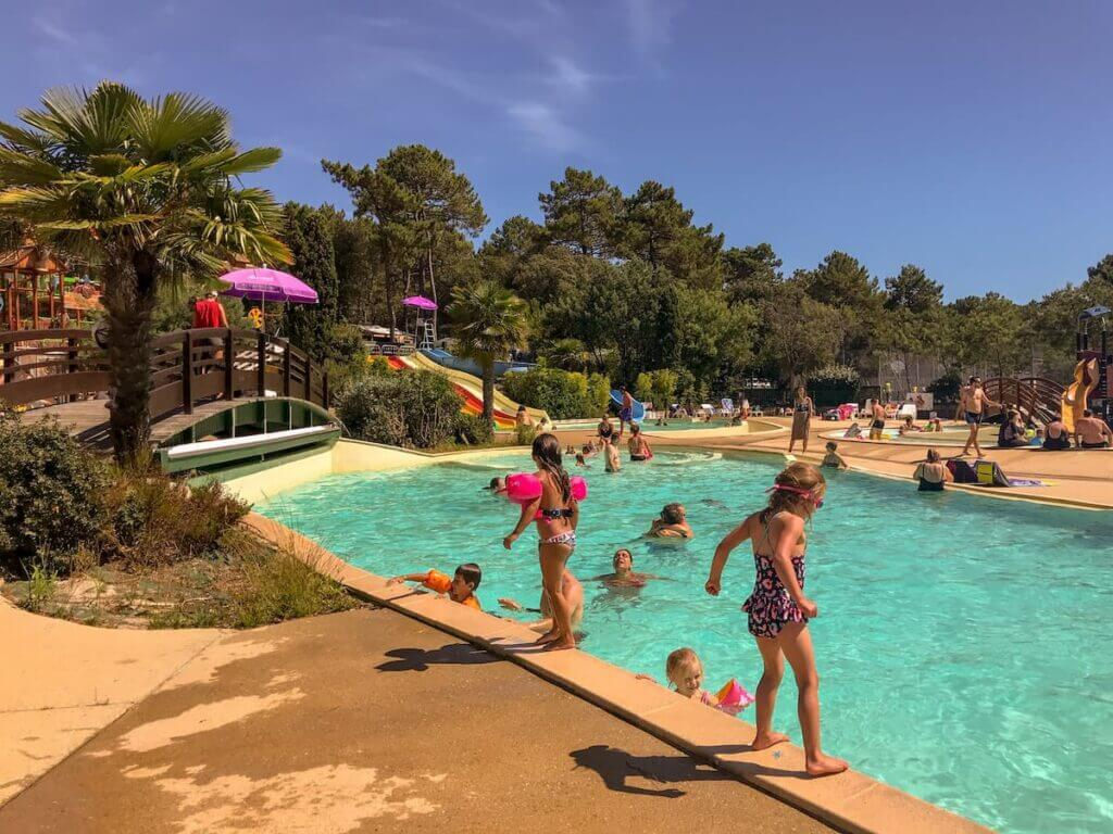 Camping cote dargent swimming pool